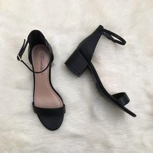 Brekelles sandals nwot